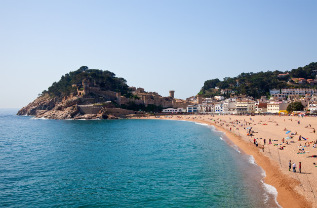 sand-beach-in-tossa-de-mar_1398-2047